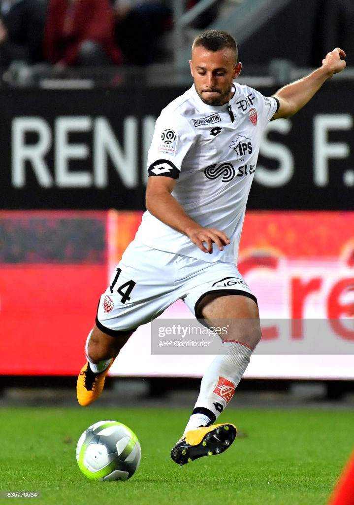 Dijon's French midfielder Jordan Marie controls the ball during the French L1 football match Rennes vs Dijon at the Roazhon Park stadium in Rennes, western France, on August 19, 2017. /