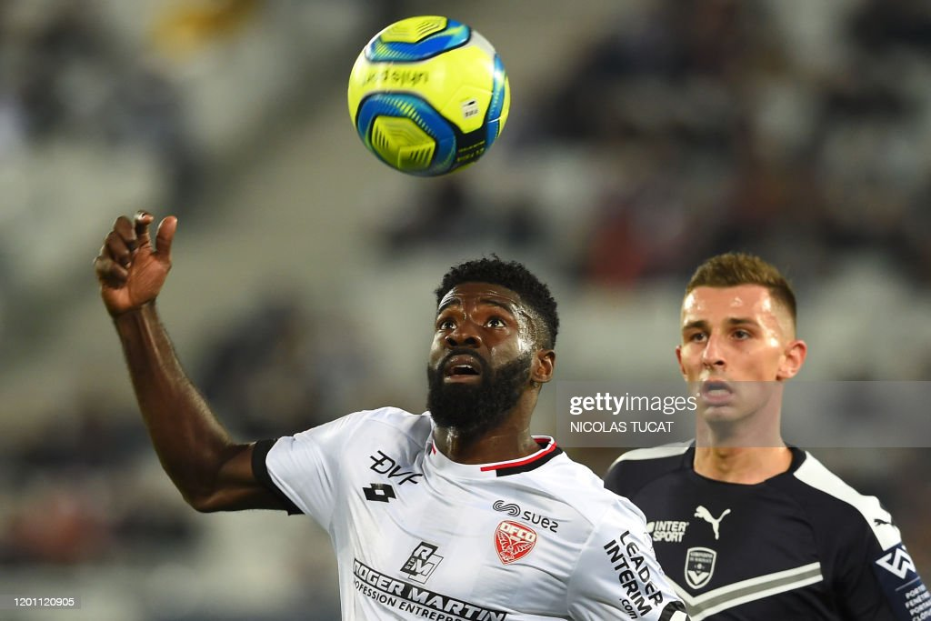 FBL-FRA-LIGUE1-BORDEAUX-DIJON : News Photo