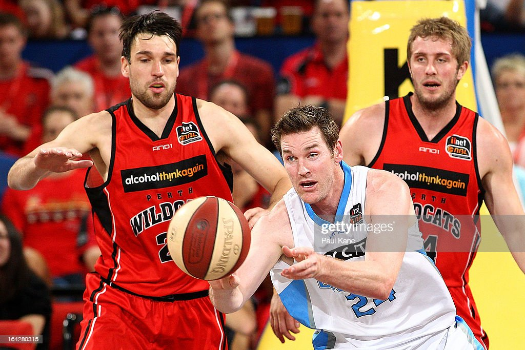 Dillon Boucher of the Breakers dishes the ball off during the round 24 NBL match between the Perth Wildcats and the New Zealand Breakers at Perth Arena on March 22, 2013 in Perth, Australia.