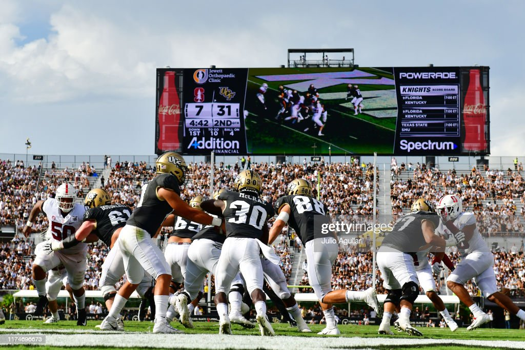 Stanford v Central Florida : News Photo
