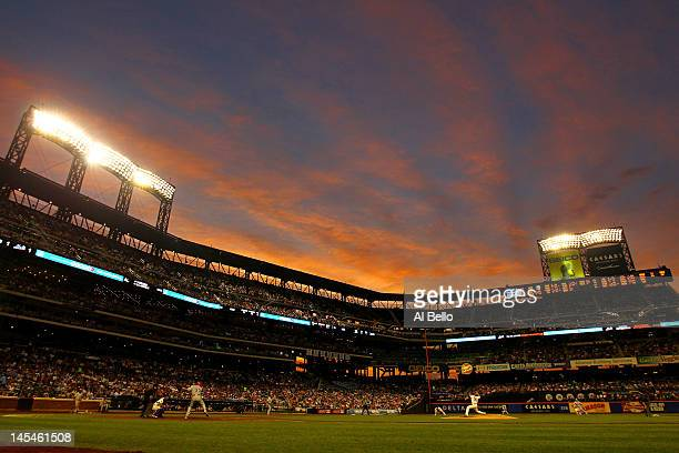 Dillon Gee of the New York Mets pitches against Cliff Lee of the Philadelphia Phillies during their game on May 30, 2012 at Citi Field in the...