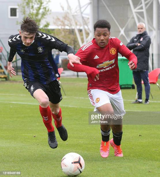 Dillon Hoogewerf of Manchester United U18s in action during the U18 Premier League match between Manchester United U18s and Middlesbrough U18s at Aon...