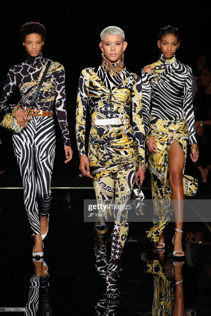 Versace Fall 2019 - Runway : News Photo