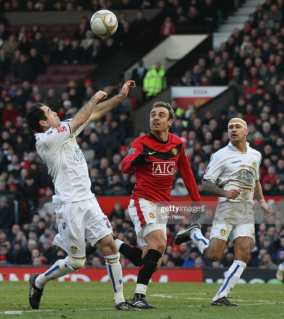 Manchester United v Leeds United - FA Cup 3rd Round