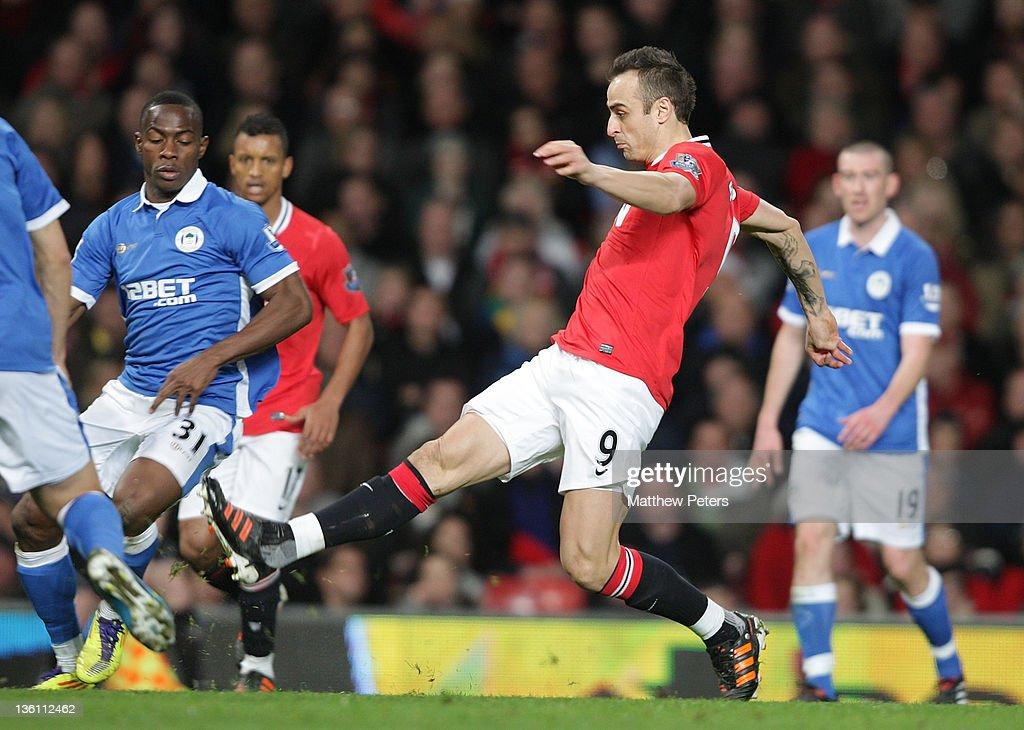 Manchester United v Wigan Athletic - Premier League : News Photo