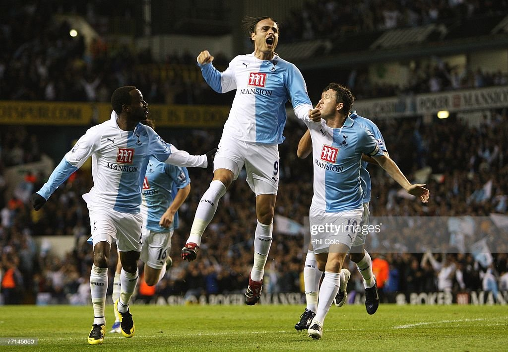 Tottenham Hotspur v Aston Villa : News Photo