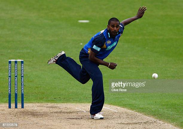 Dimitri Mascarenhas of Hampshire in action during the Friends Provident Trophy match between Worcestershire and Hampshire at New Road on May 14 2009...