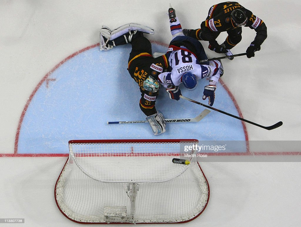 Slovakia v Germany: Group A - 2011 IIHF World Championship