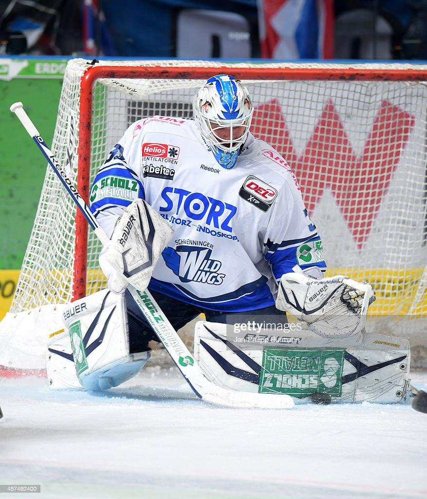 Eisbaeren Berlin v Schwenninger Wild Wings - Deutsche Eishockey Liga