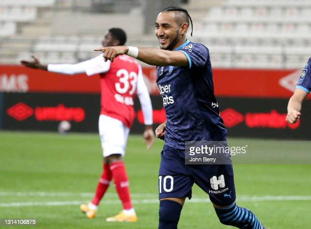 Dimitri Payet of Marseille celebrates his second goal during the Ligue 1 match between Stade Reims and Olympique de Marseille at Stade Auguste...