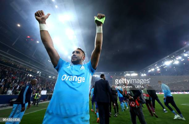 Dimitri Payet of Marseille celebrates to the fans after winning the UEFA Europa Semi Final Second leg match between FC Red Bull Salzburg and...