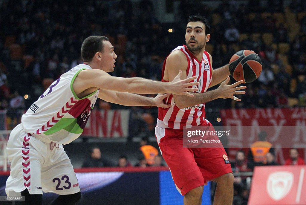 Olympiacos Piraeus v Laboral Kutxa Vitoria - Turkish Airlines Euroleague Top 16