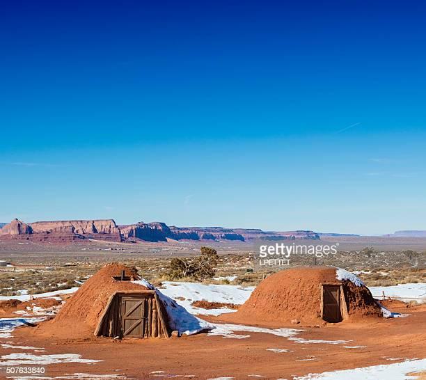 hogan diné (navajo) traditional house - navajo hogan stock photos and pictures