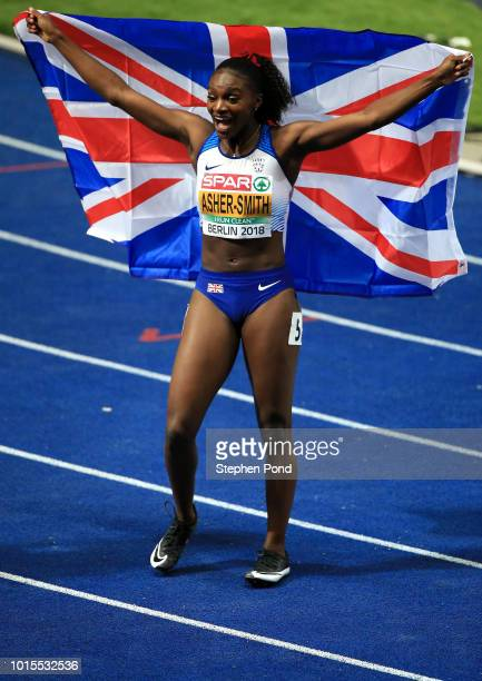 Dina AsherSmith of Great Britain celebrates winning the Women's 200m final during day five of the 24th European Athletics Championships at...