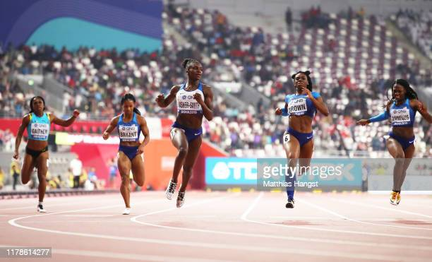 Dina AsherSmith of Great Britain wins the Women's 200 metres final during day six of 17th IAAF World Athletics Championships Doha 2019 at Khalifa...