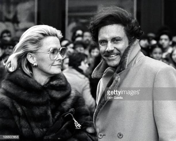 Dina Merrill and Cliff Robertson during Shooting of Three Days of the Condor February 21 1975 at Set of Three Days of the Condor in New York City New...