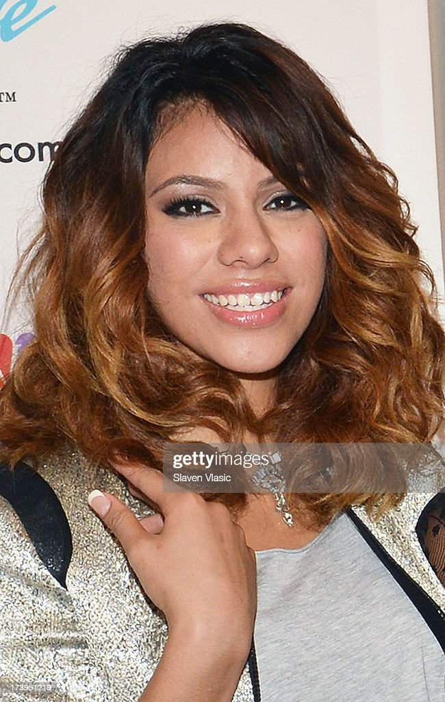 Photos et images de fifth harmony fan meet and greet getty images dinah jane hansen of fifth harmony attends the fifth harmony fan meet and greet at nbc m4hsunfo