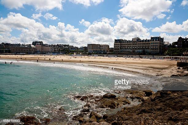 dinard - the beach of elegance - dinard stock pictures, royalty-free photos & images