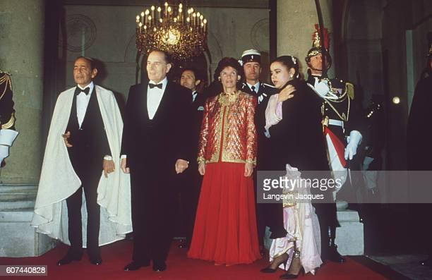 Diner officiel à l'Elysée, le souverain marocain, le couple Mitterrand et une fille d'Hassan II.