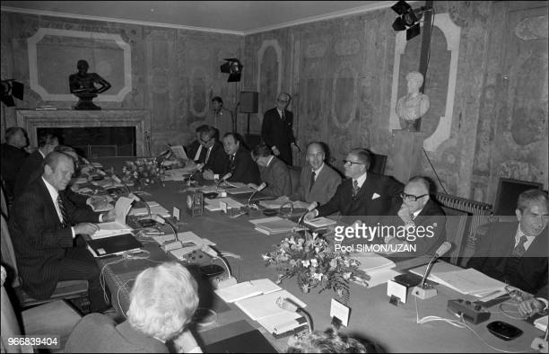 Diner with the six heads of state and government: Japan, Italy, great-Britain, Usa, France, Germany.