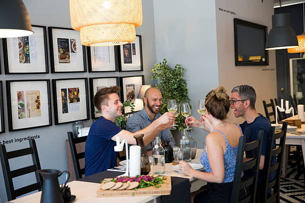 Lbum de fotos de britains first ikea pop up restaurant diy food at diners enjoy lunch after cooking it inside ikeas the dining club pop up restaurant solutioingenieria Images