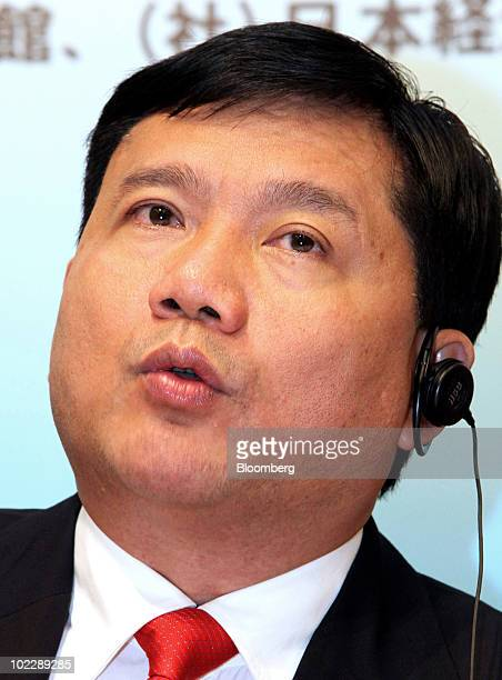 Dinh La Thang chairman of Vietnam Oil Gas Group also known as PetroVietnam speaks during a news conference following a Vietnam investment seminar in...