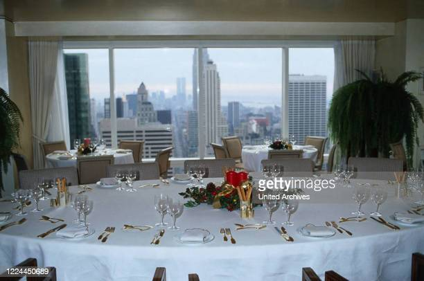 Dining room of Adnan Kashoggi with view to the city of New York, USA 1986.