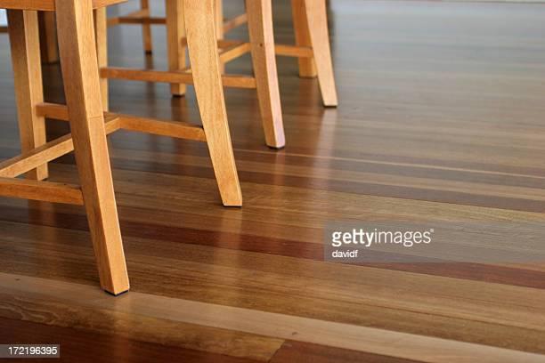 Esstisch und Stühle 2