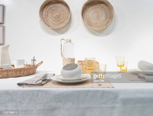 dining table decoration - liyao xie photos et images de collection