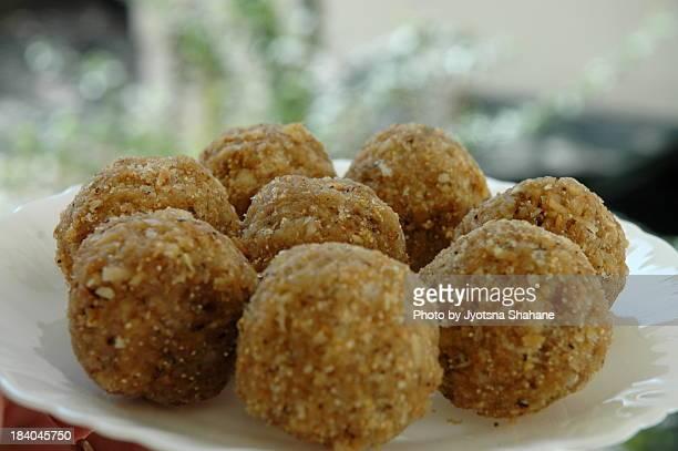 Dinkache Ladu, Dink ladoo , Indian Sweet meat