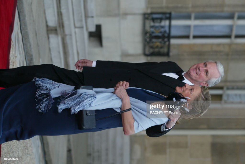 Dinner At The Elysee In Honnor Of Queen Elizabeth Ii : News Photo