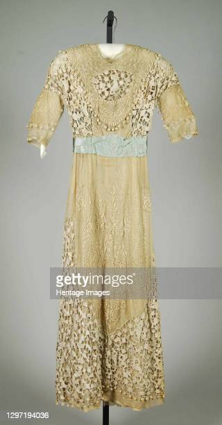 Dinner dress, American, 1908-10. Artist Herbert Luey.