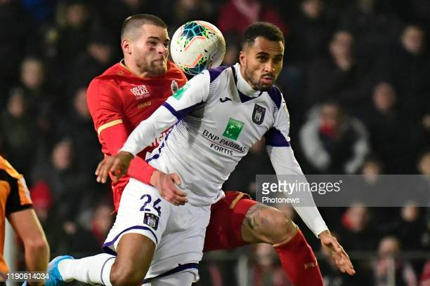 Dino Arslanagic defender of Antwerp battles for the ball with Isaac Kiese Thelin forward of Anderlecht during the Jupiler Pro League match between...