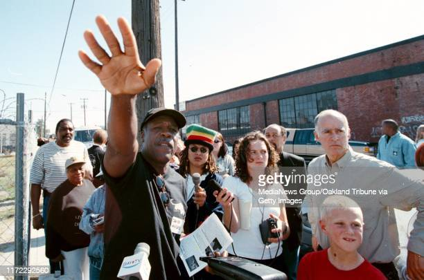 dino vournas 10/25/tribune news#13#13Former Black Panther Party chiefofstaff David Hilliard leads a tour of historical sites relating to the party He...