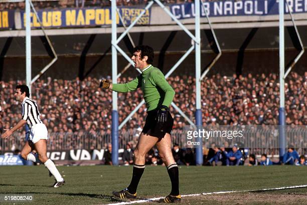 Dino Zoff during the calcio serie A match between Napoli and Juventus at Stadio San Paolo on 9th January 1977