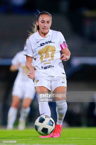 Dinora Lizeth Garza of Pumas drives the ball during a match between Pumas and Juarez as part of the Torneo Grita Mexico A21 Liga MX Femenil on...