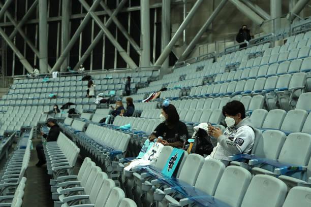KOR: Doosan Bears v NC Dinos - Korean Series Game 6