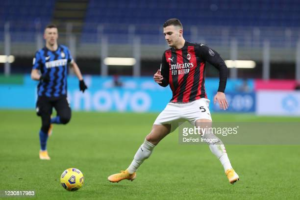 Diogo Dalot of AC Milan controls the ball during the Coppa Italia match between FC Internazionale and AC Milan at Stadio Giuseppe Meazza on January...