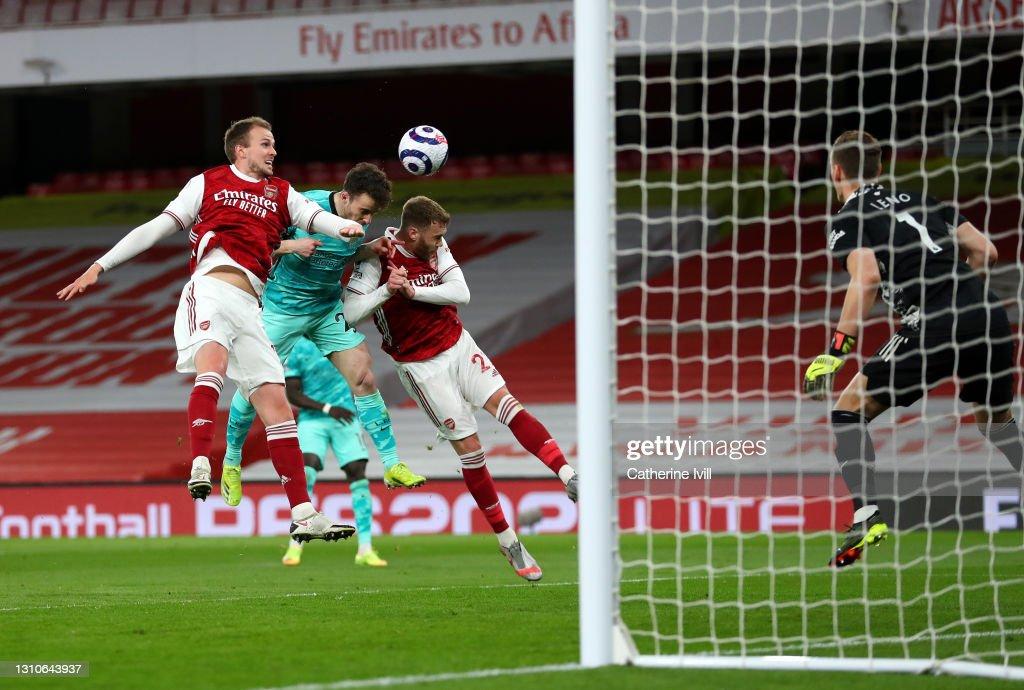 Arsenal v Liverpool - Premier League : Nachrichtenfoto