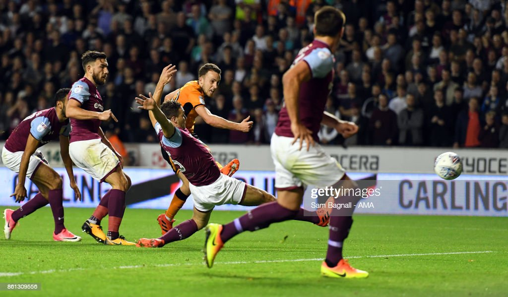 Diogo Jota of Wolverhampton Wanderers scores a goal to make it 1-0 during the Sky Bet Championship match between Wolverhampton and Aston Villa at Molineux on October 14, 2017 in Wolverhampton, England.