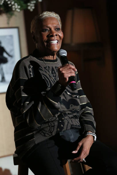 NY: Dionne Warwick Performs At Le Chalet At L'Avenue At Saks