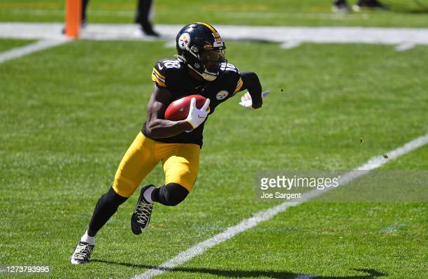 Diontae Johnson of the Pittsburgh Steelers in action during the game against the Denver Broncos at Heinz Field on September 20, 2020 in Pittsburgh,...