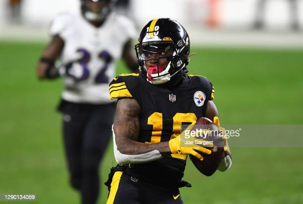 Diontae Johnson of the Pittsburgh Steelers in action during the game against the Baltimore Ravens at Heinz Field on December 2, 2020 in Pittsburgh,...