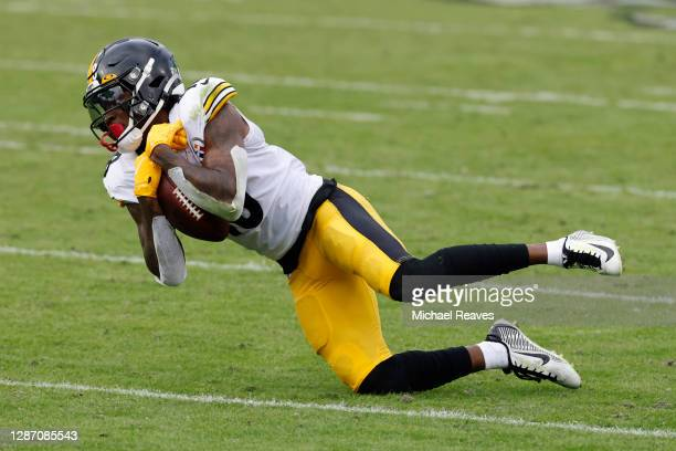 Diontae Johnson of the Pittsburgh Steelers makes a catch during the first half against the Jacksonville Jaguars at TIAA Bank Field on November 22,...