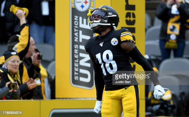 Diontae Johnson of the Pittsburgh Steelers reacts as he runs onto the field during introductions before the game against the Cleveland Browns at...