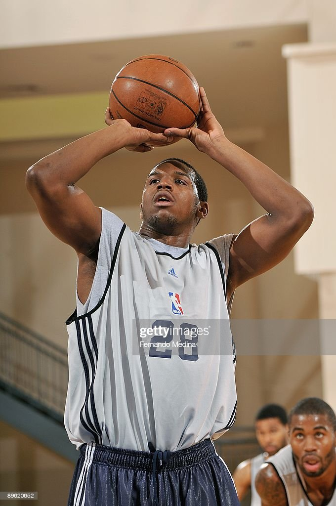 Dionte Christmas.Dionte Christmas Of The New Jersey Nets Philadelphia 76ers Shoots A