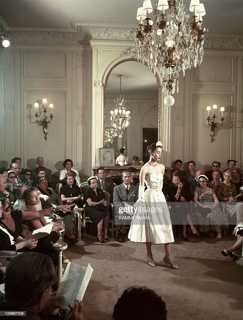 Dior In France In The 1950S - : News Photo