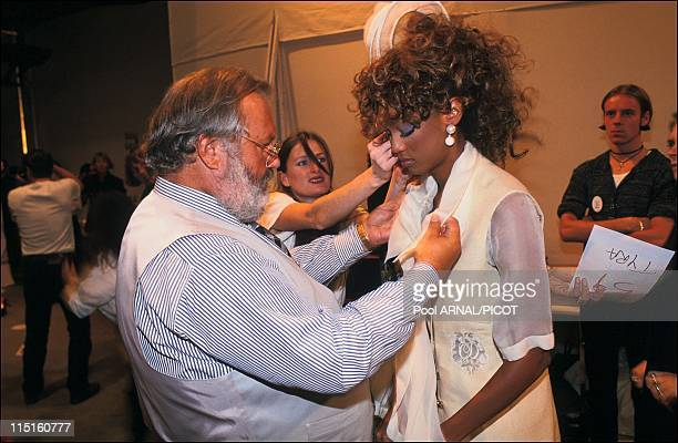 Dior ready to wear Spring Summer 94 in France in October, 1994 - Tyra Banks, Gianfranco Ferre.