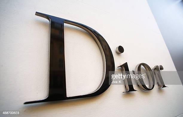 Dior sign