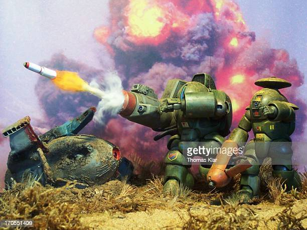 CONTENT] Diorama setting based on a scene from the Japanese anime TV series Dorvack Episode 14 Powered armors are modified PA58 and PAC36 stock model...